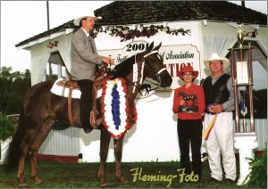 Patriot's Traveling Spitfire, 2001 World Grand Champion.  Owned by Ben and Nancy Israel.  Shown by David Ogle